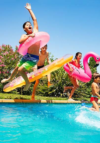 Paradies für Kinder mit Wasserrutschen